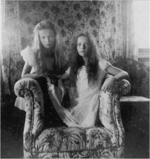 Olga and Tatiana Romanova