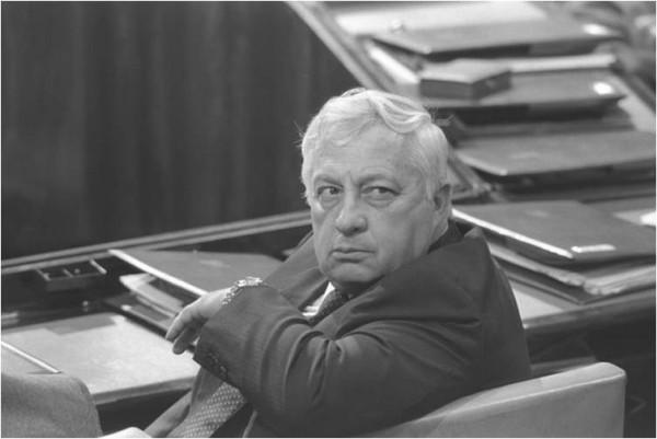 Ariel Sharon si�ge � la Knesset, le 6 mai 1985