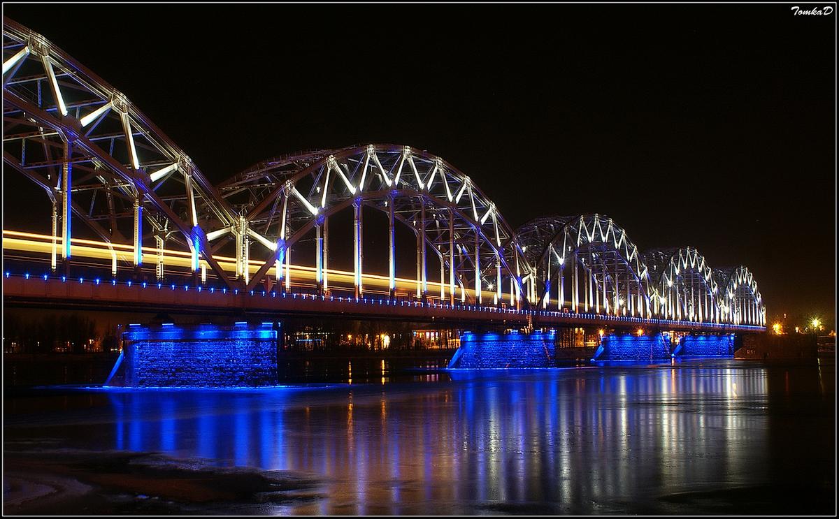 Мост через Даугаву 1200