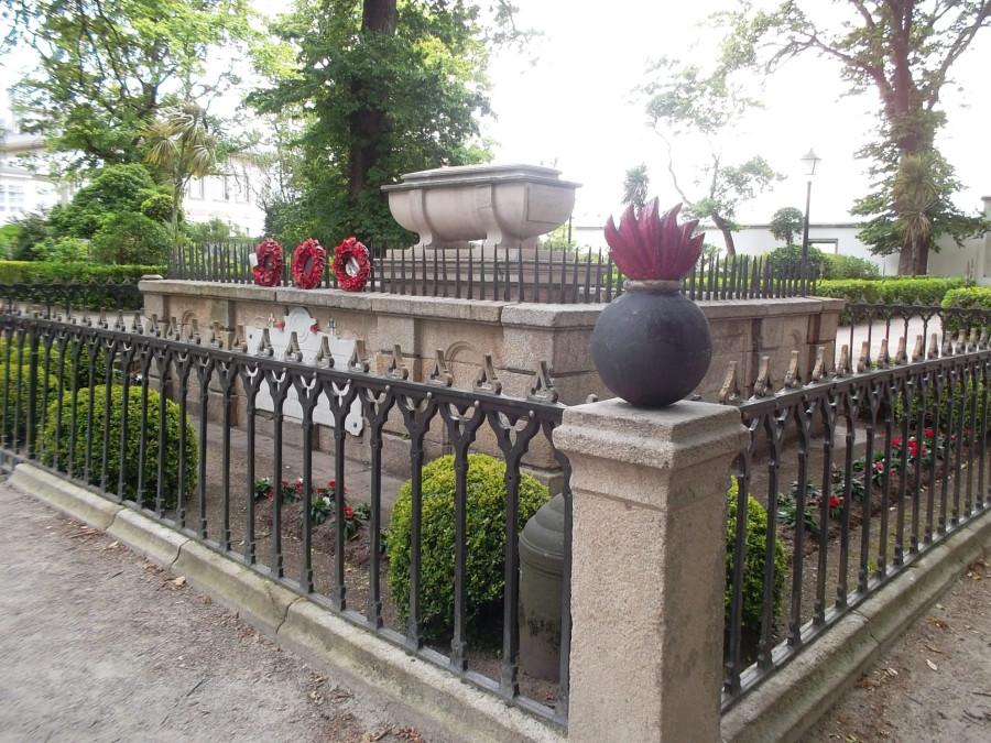 A Coruna_Sir John Moore's tomb