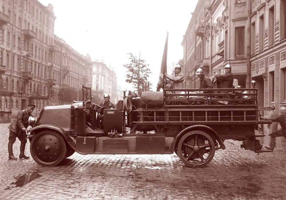 Пожарные Литейной части_1930
