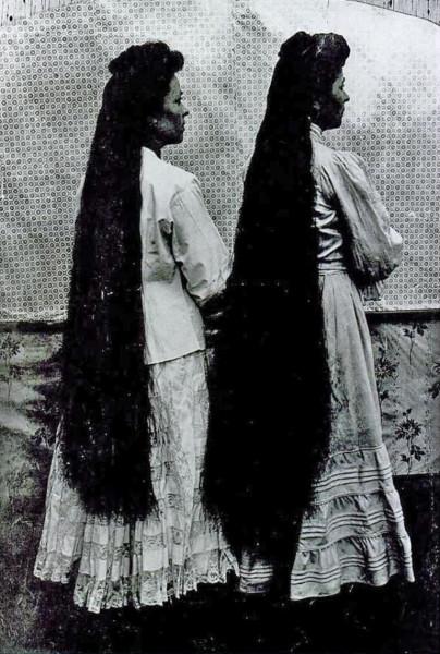 Мари-Луиза с сестрой