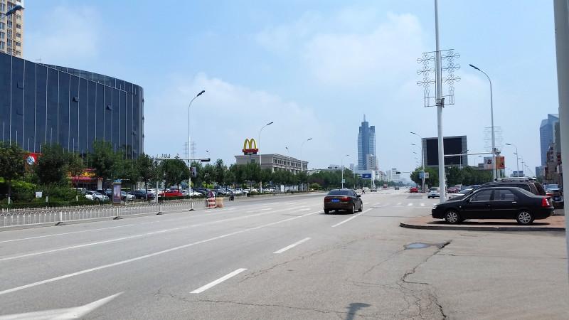 10_Пустая улица.jpg
