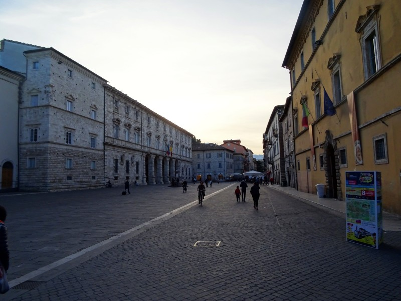 Piazza Arringo, вид от собора
