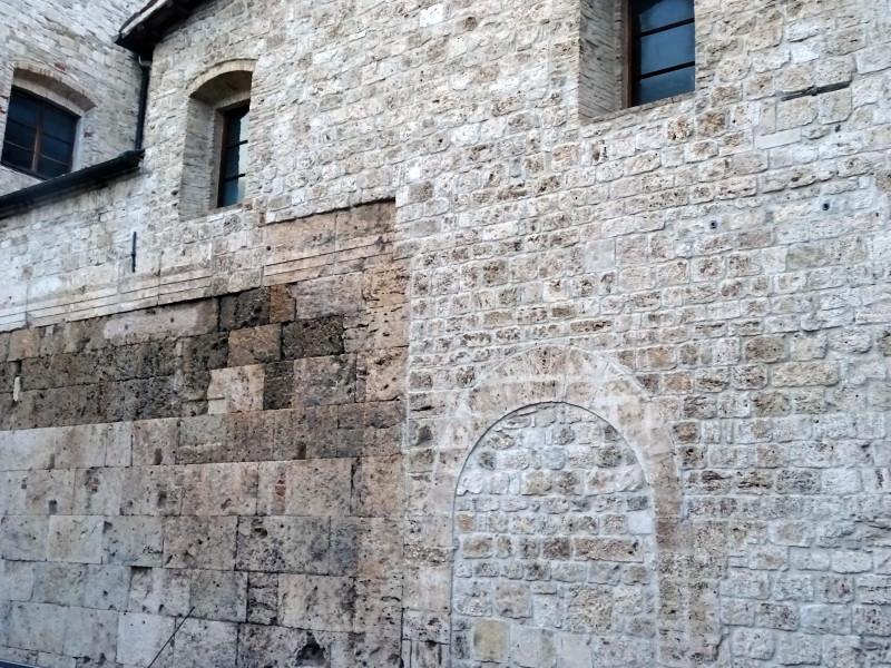 Вторичное использование старых стен