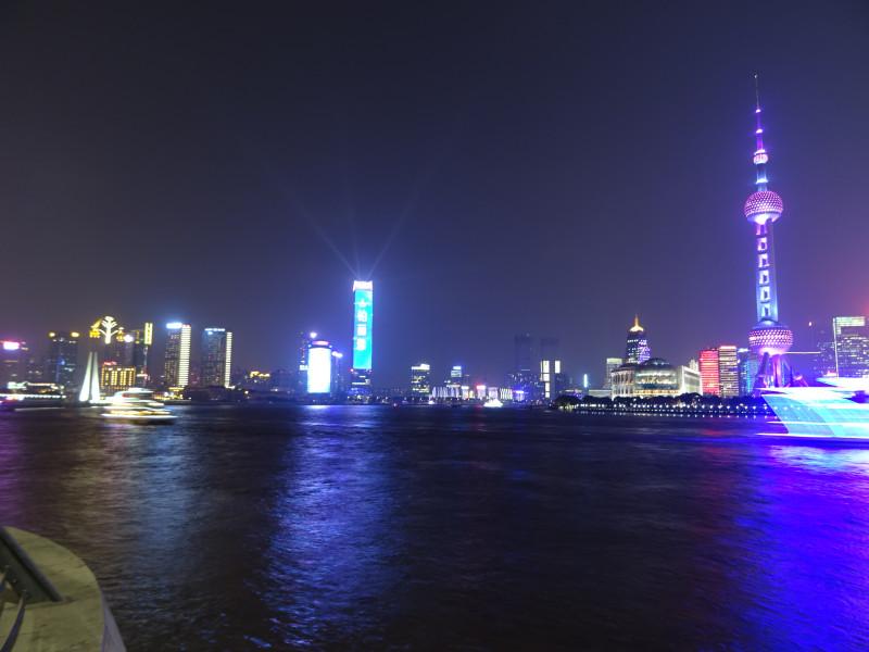 Вид налево по реке