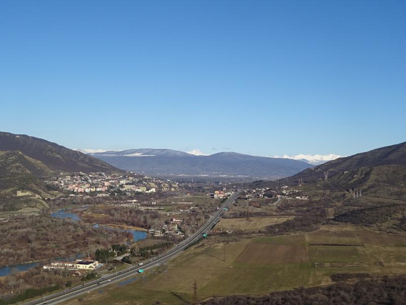 Дорога к Тбилиси вдоль Куры