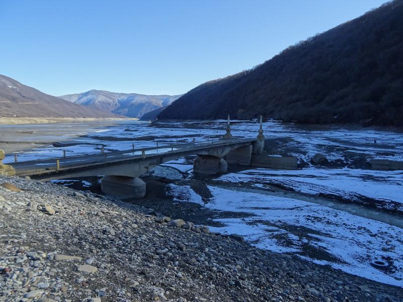 Затопляемый мост