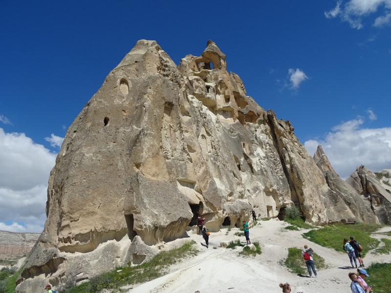 Массив с пещерной церковью
