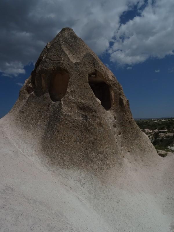 Церковь в пещере и ступеньки