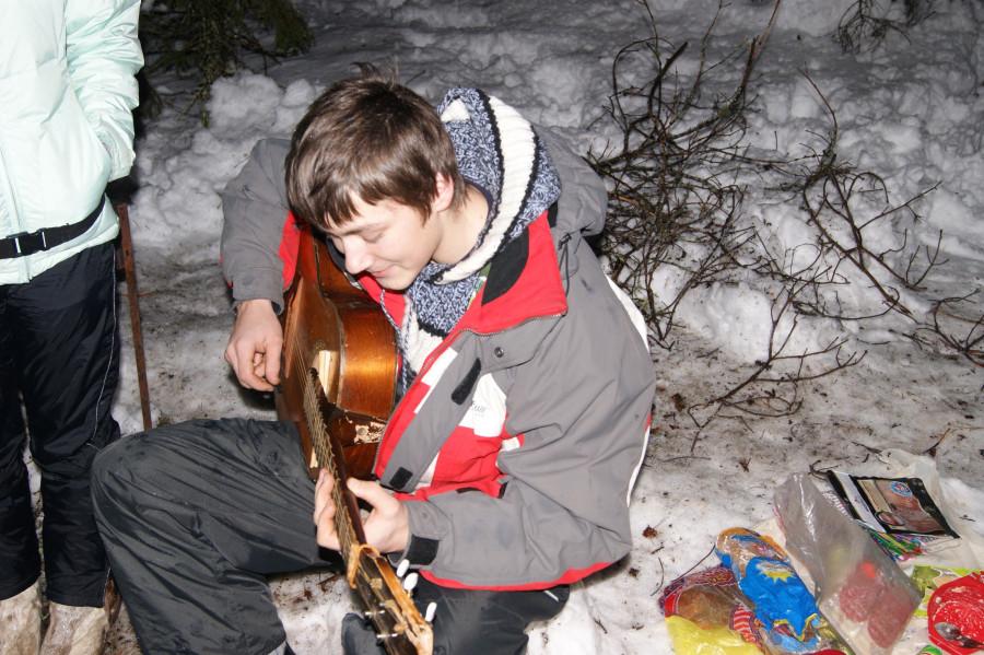 Серега с гитарой