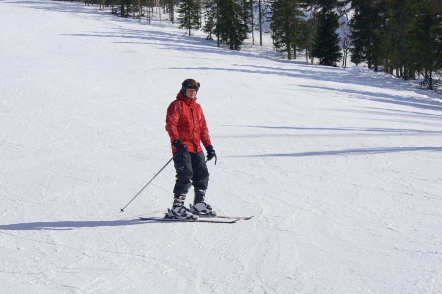 Серега на лыжах