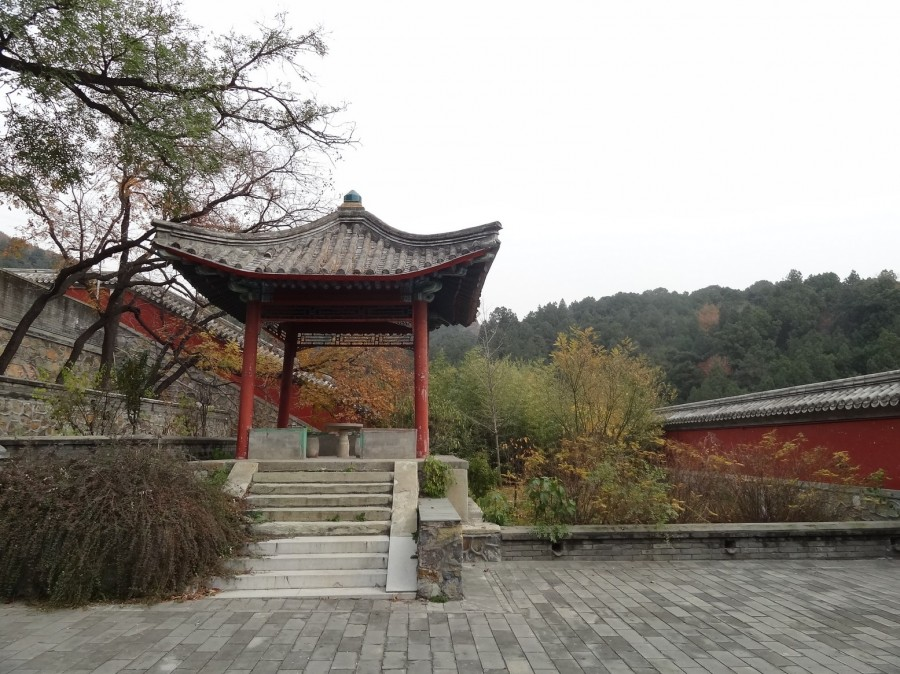 Беседка в храме
