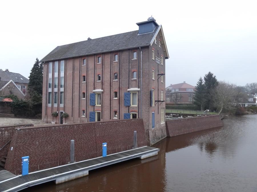 Гостиница вид с моста