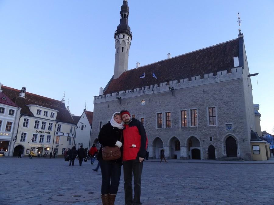Мы с Машкой у ратуши