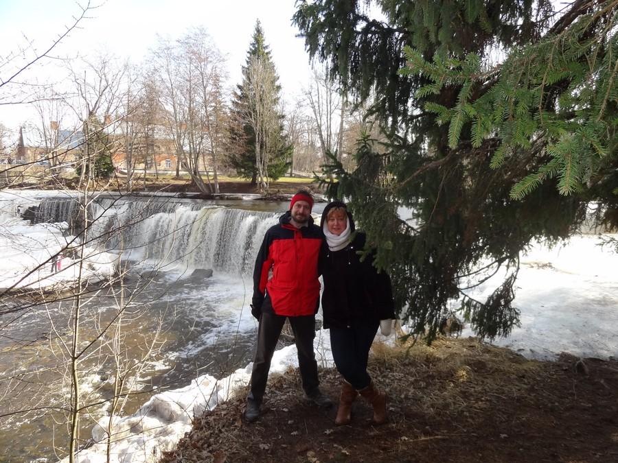 Мы с Машкой у водопада