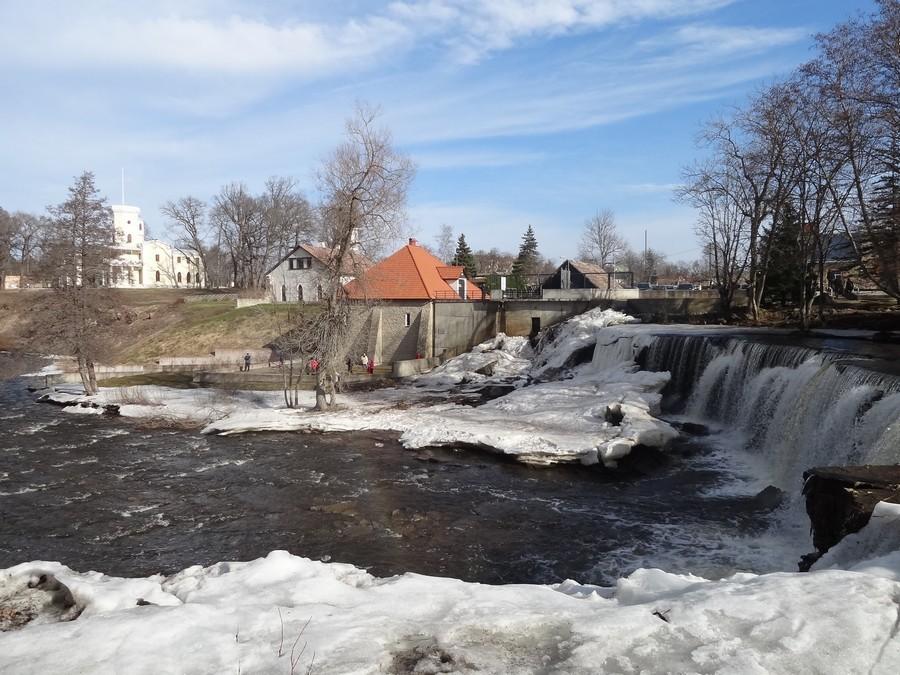 Водопад и остатки ГЭС