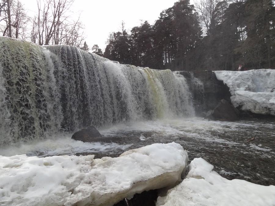 Водопад с другой стороны