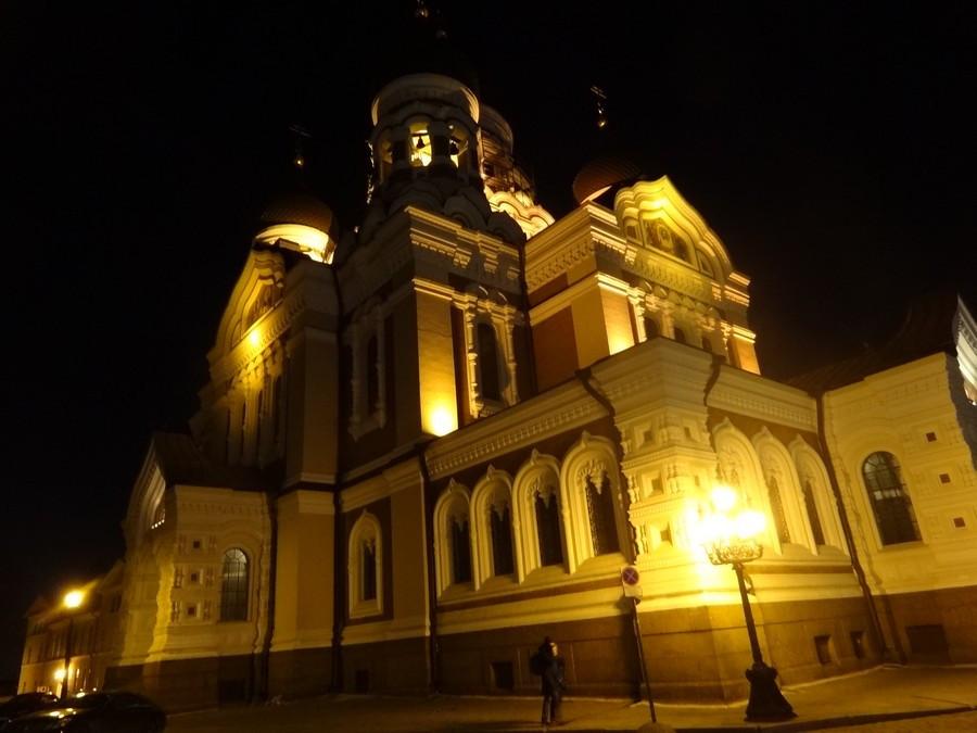 Подсветка Александро-Невского собора