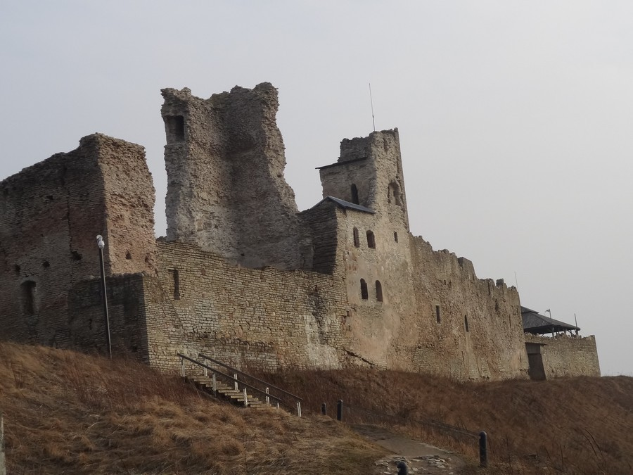 Развалины крепости в Раквере