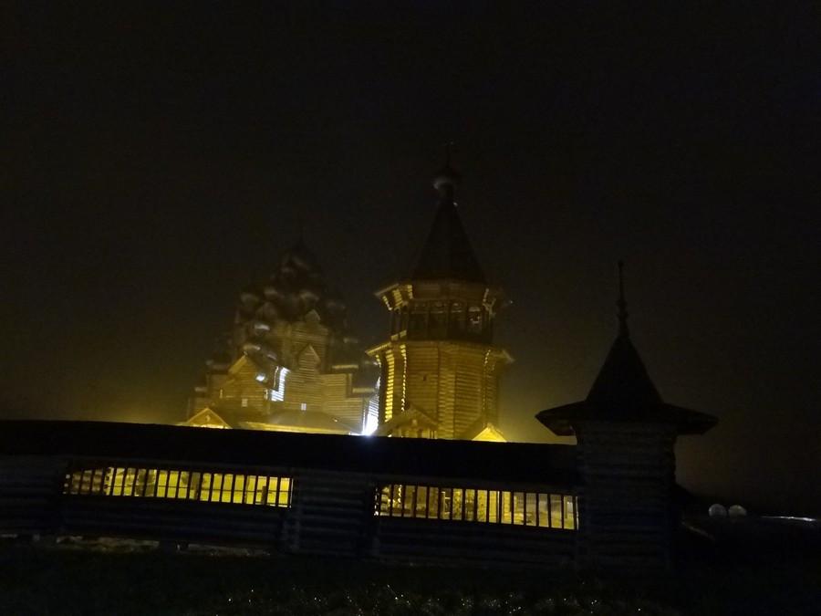 Невский лесопарк, восстановленная церковь во имя Покрова Пресвятой Богородицы