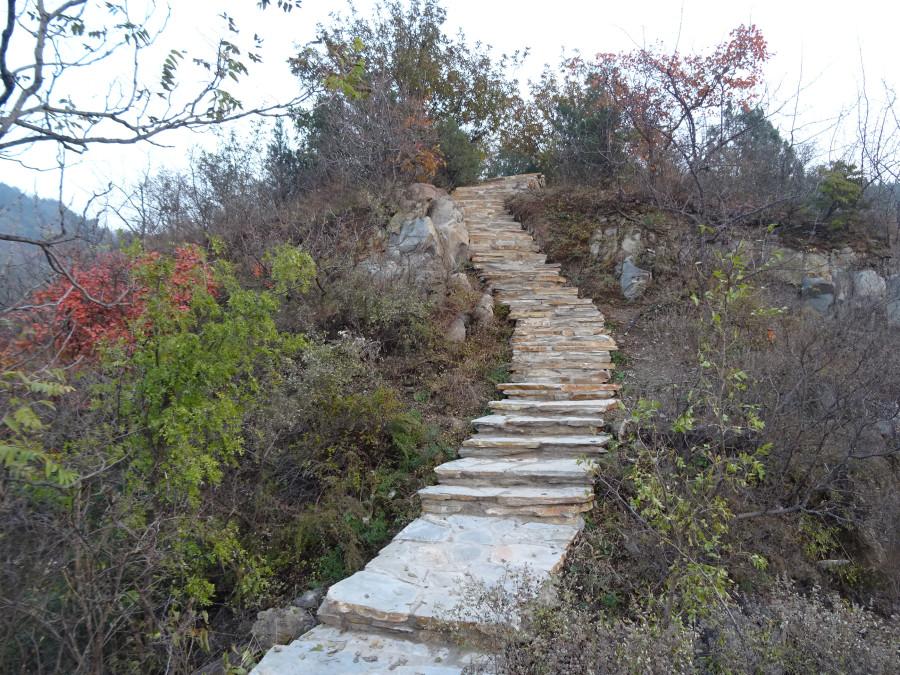 Лестница из крупных плит