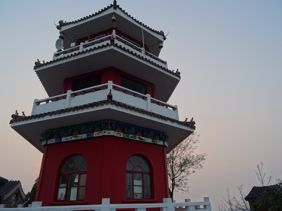 Многоярусный храм