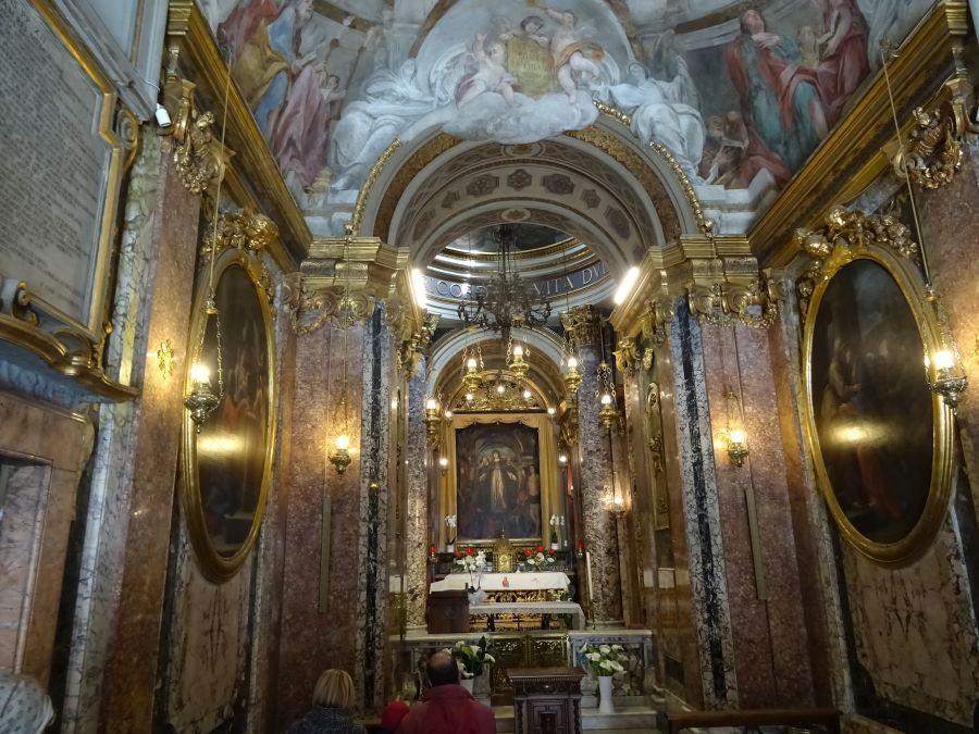 Мачерата - собор, построенный за день - изнутри