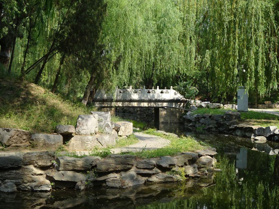 Прямоугольный каменный мост