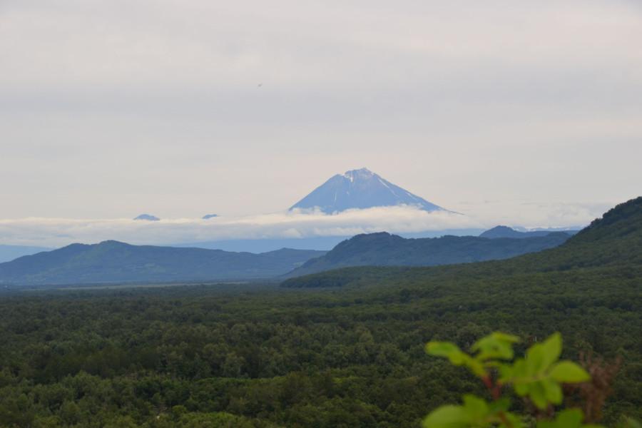 Вид на вулкан от источника