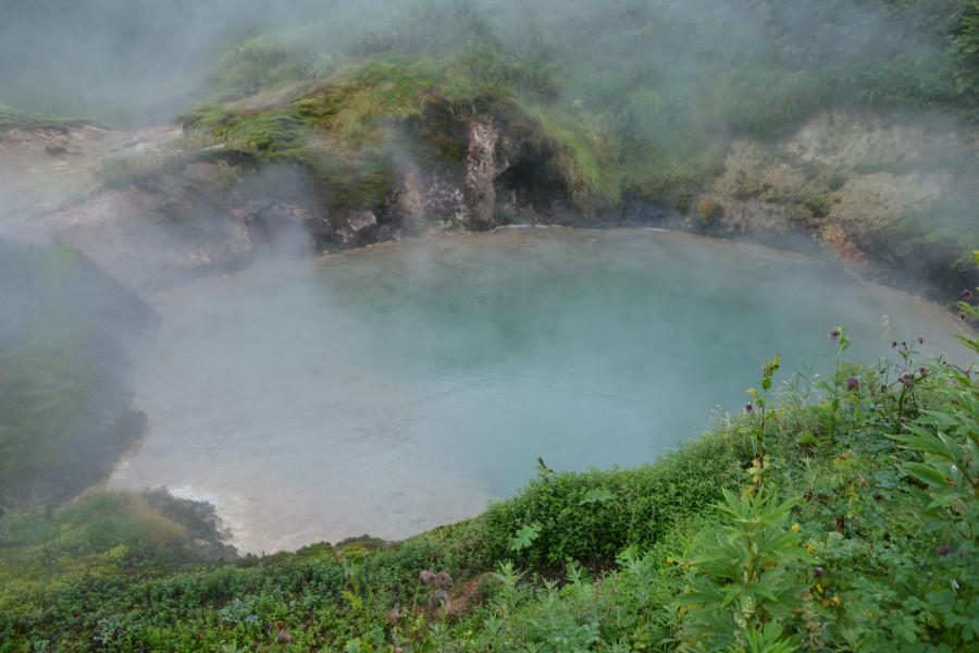 Долина - кислотное озерцо