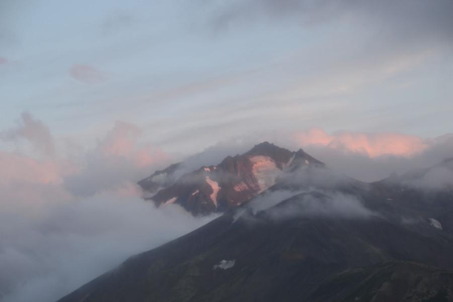 Закатные горы из вертолета