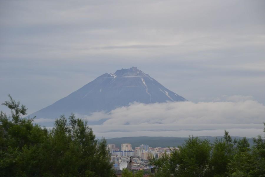 Вулкан Корякский - вид от Gold House