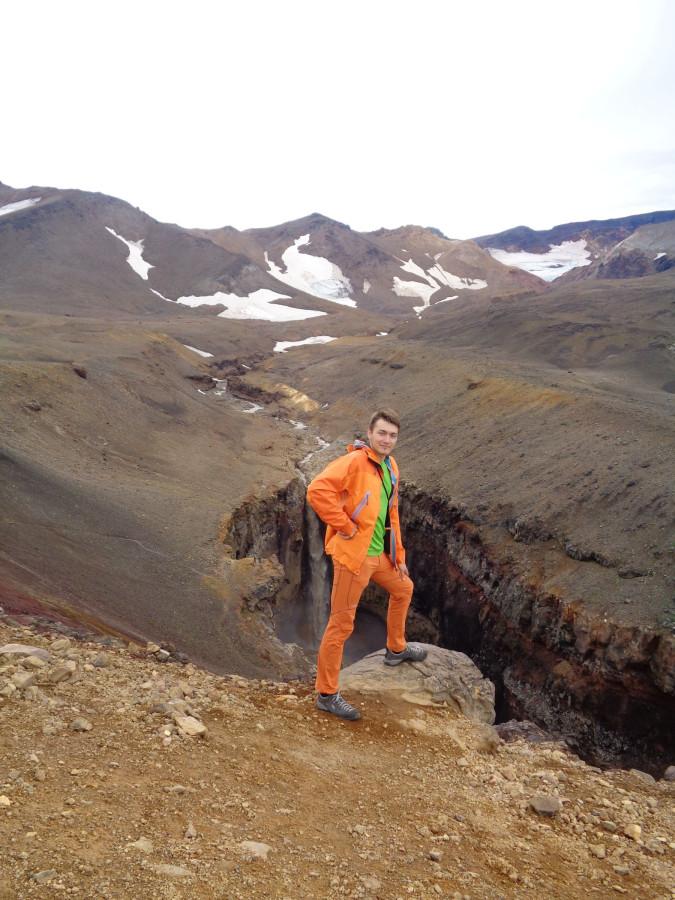 Серега на фоне каньона Опасный