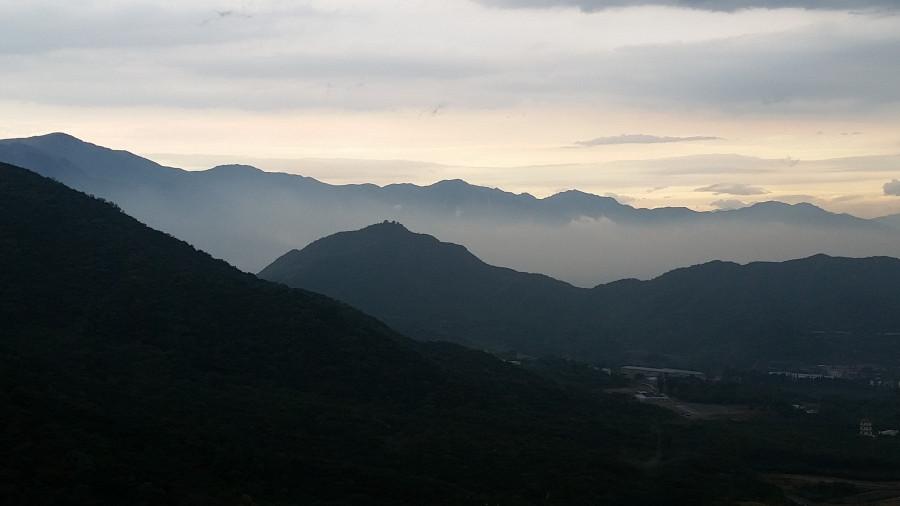 Силуэты гор