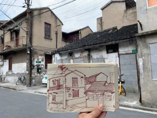 Artist: Lily Ng. Many doors and windows are already walled up, we can rarely find some that are still full of life. Nearby Ninghe Lu.