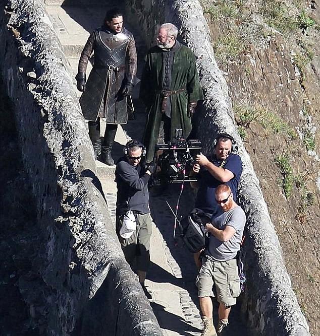 Старки воссоединятся: В сеть утек сценарий всех серий 7 сезона «Игры престолов» 699ab24ea072103c2a20d409c614669b