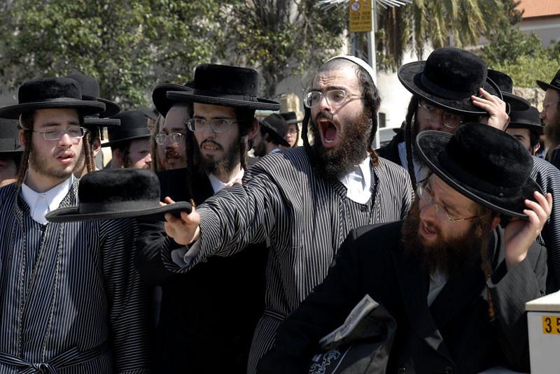 Картинка евреи ищут