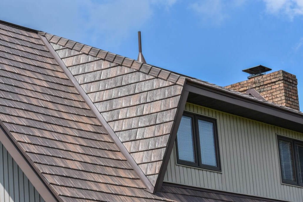 Seven Advantages of Using a Metal Roof