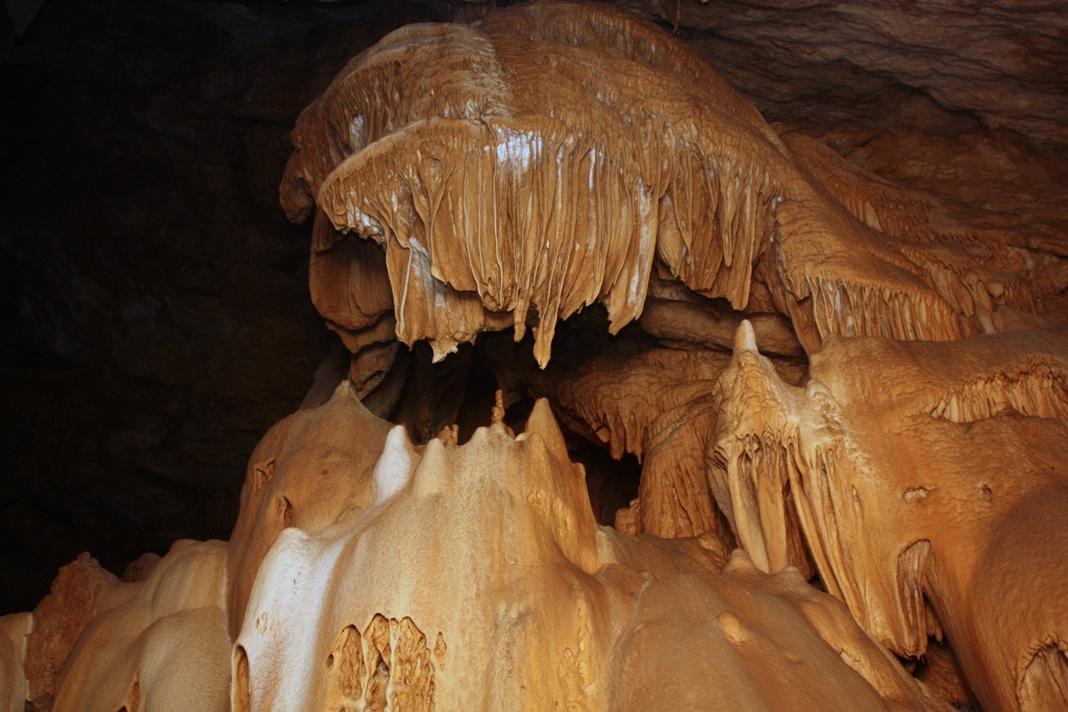 новый афон пещера2