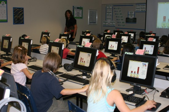 computer-classroom-550x366