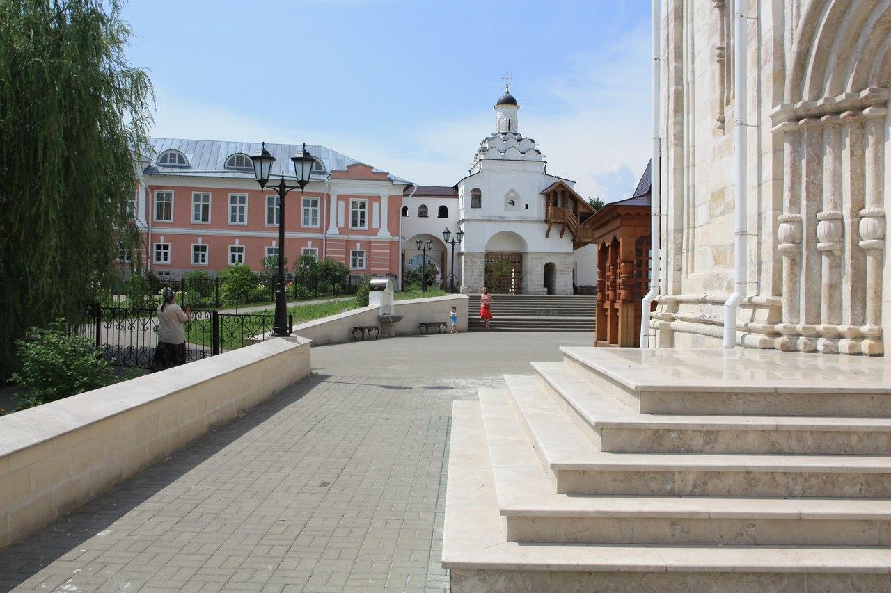 Введенский женский монастырь2