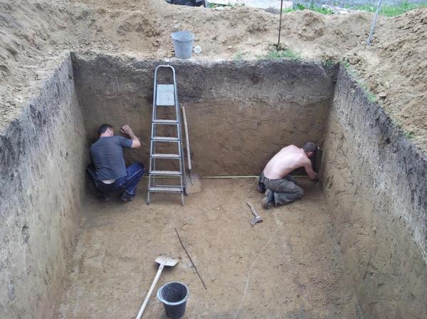 рытье погреба