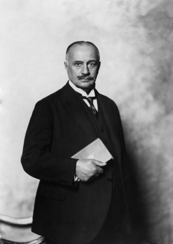 Барон Макс фон Оппенгейм.jpg
