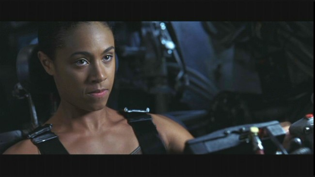 Jada-Pinkett-plays-Niobe-in-Warner-Bros-provocative-futuristic-action-thriller-The-Matrix-Revolutions-2003-171-650x366