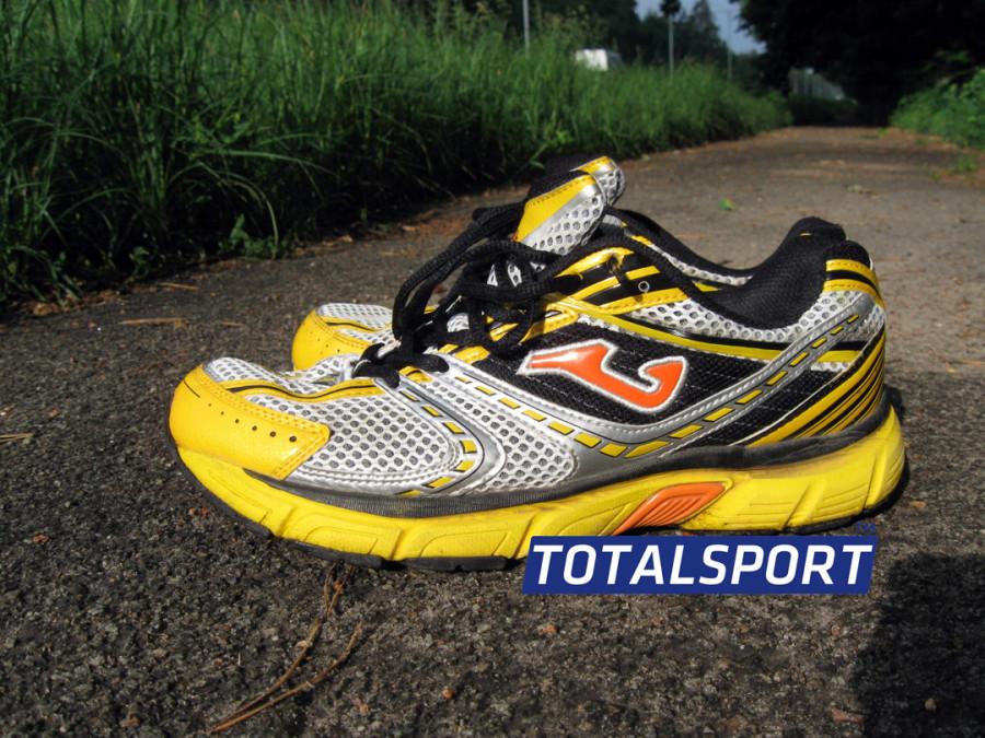 23d10360 Обзор кроссовок для бега по пересеченной местности.Joma Titanium -  кроссовки от хорошо зарекомендовавшей себя футбольной марки Joma…
