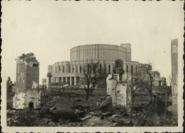 Rubble surrounding Minsk theater,1940-1944