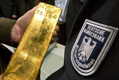 1416798016_1389614293_german-gold-reserves