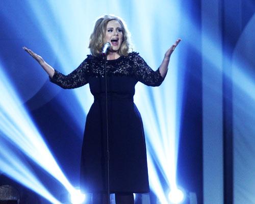 brit_awards_2012_adele_performing