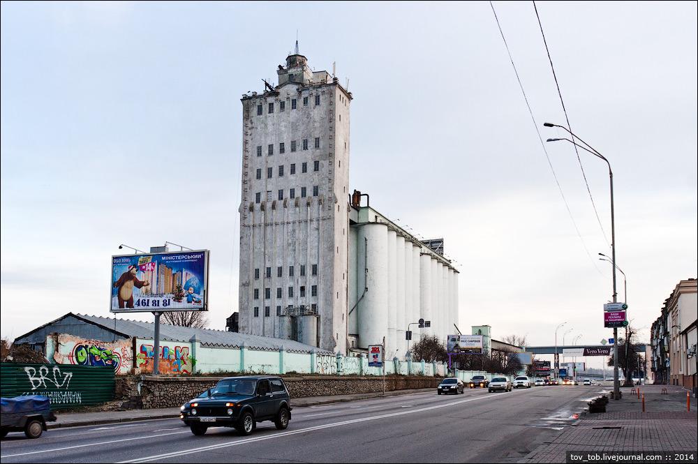 Башни элеватора зернохранилища и элеваторы в россии